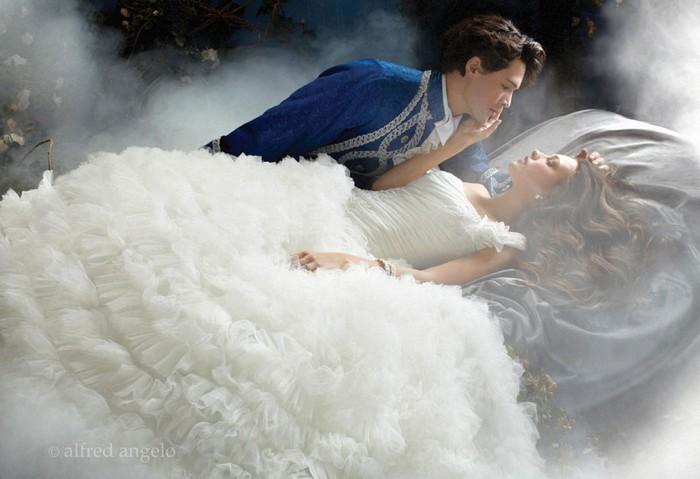 Сказочное свадебное платье для Спящей красавицы