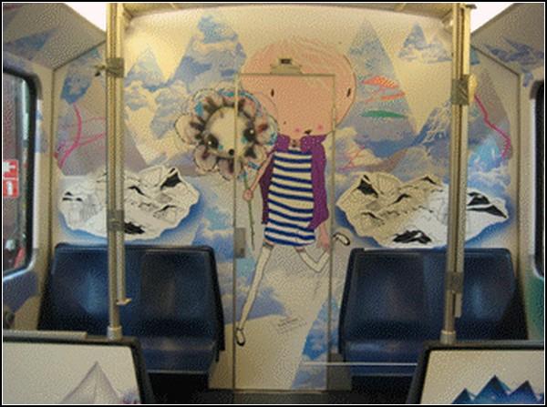 Креативно оформленная амстердамская подземка