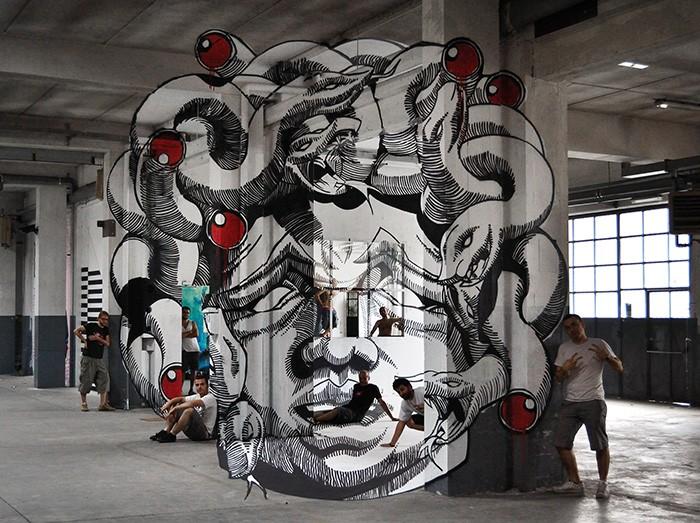 Граффити-иллюзия Medusa от студии Truly Design