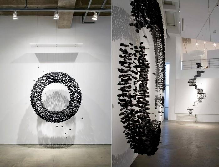 Circle, знаменитая инсталляция из кусочков угля