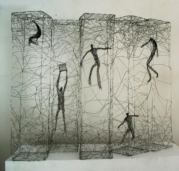 Люди в паутине проводов. Скульптуры Барбары Лича (Barbara Licha)