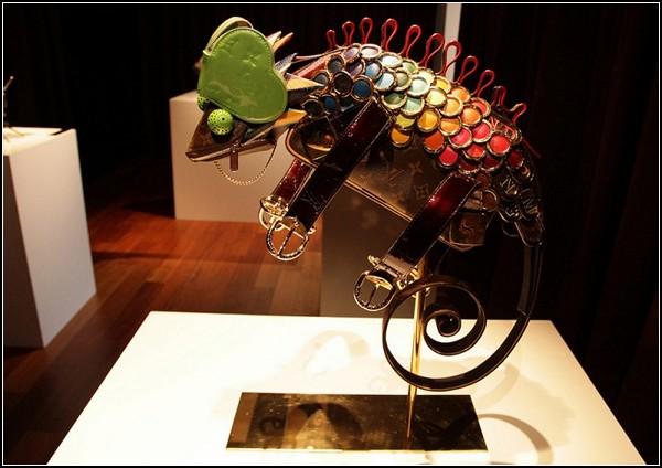 Скульптуры из кожгалантереи от Билли Акилиоса (Billie Achilleos)
