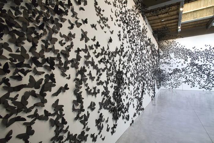 Black Cloud. Стая черных бабочек Карлоса Аморалеса