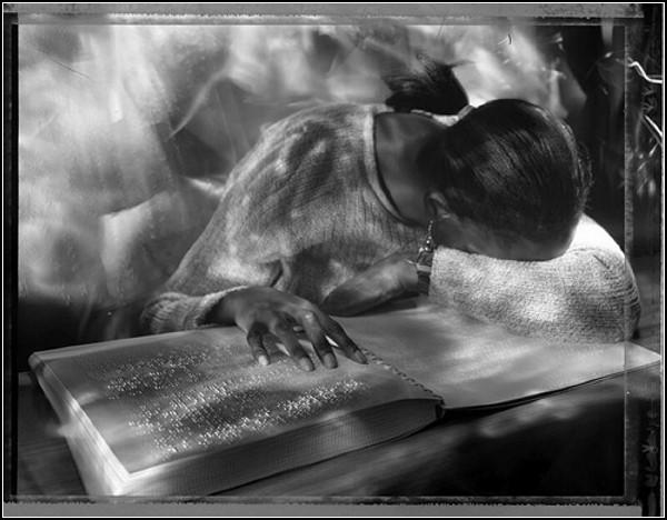 Сюрреалистические фотографии от слепых фотографов из общества Seeing with Photography Collective