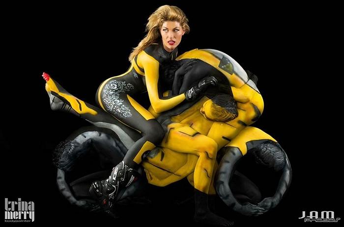 Живые мотоциклы для International Motorcycle Roadshow. Бодипейнтинг Трины Мерри (Trina Merry)