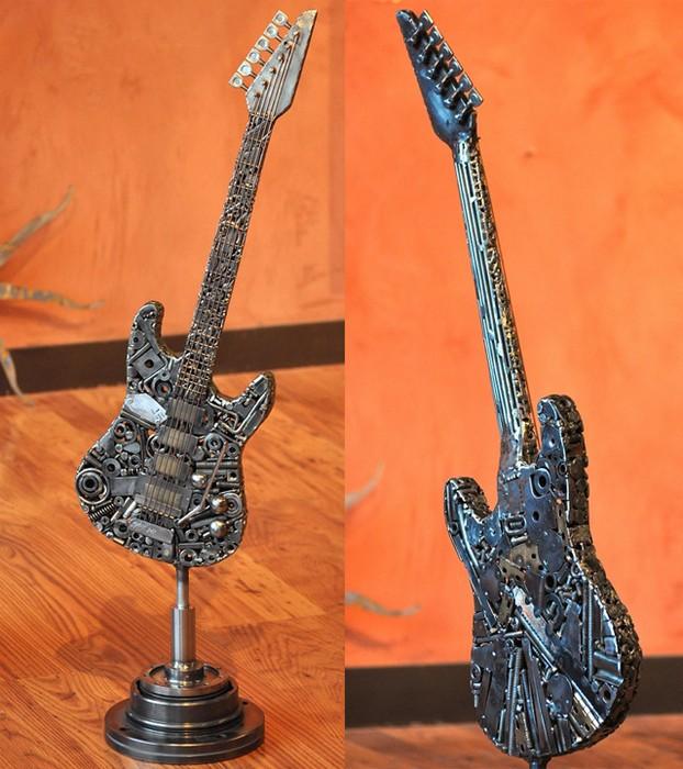Металлические скульптуры из мусора