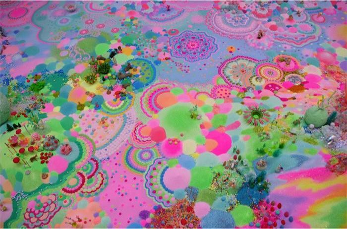 Невероятные инсталляции из разноцветных сладостей от арт-дуэта Pip & Pop