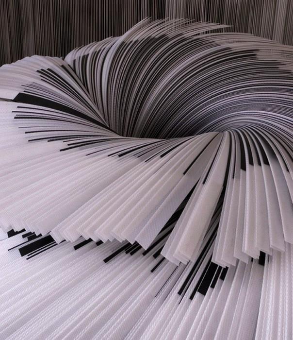 Инсталляция Cartoframma из 10000 бумажных полосок