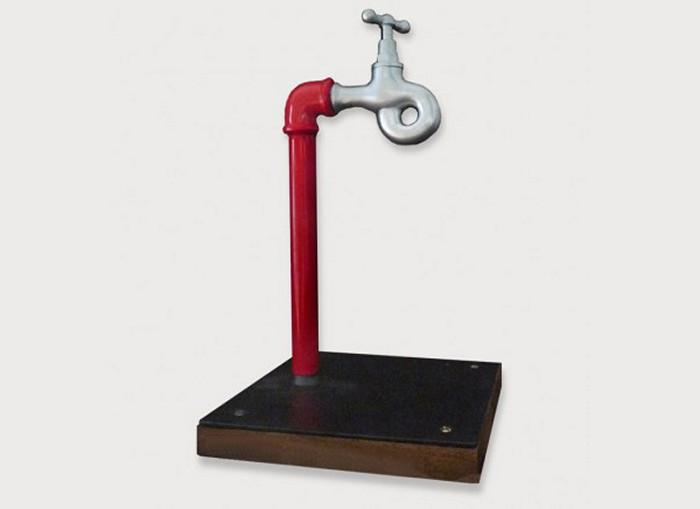 Водопроводный кран для жадных и экономных из серии Catalog of Impossible Objects