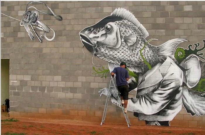 Сюрреалистические персонажи в стрит-арте бразильского художника