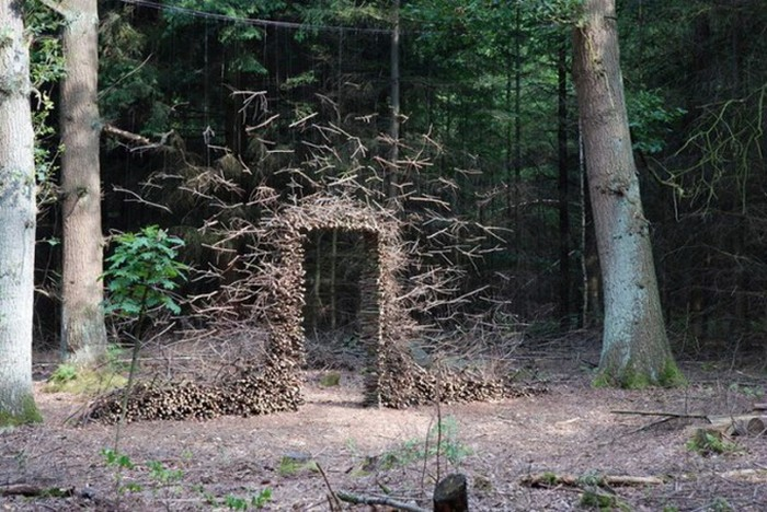 Инсталляции в парках и скверах. Ленд-арт от Cornelia Konrads