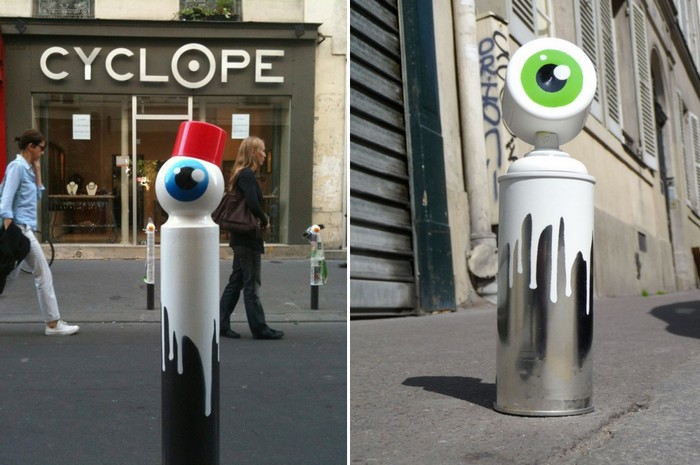 Городские столбы-циклопы от уличного художника CyKlope