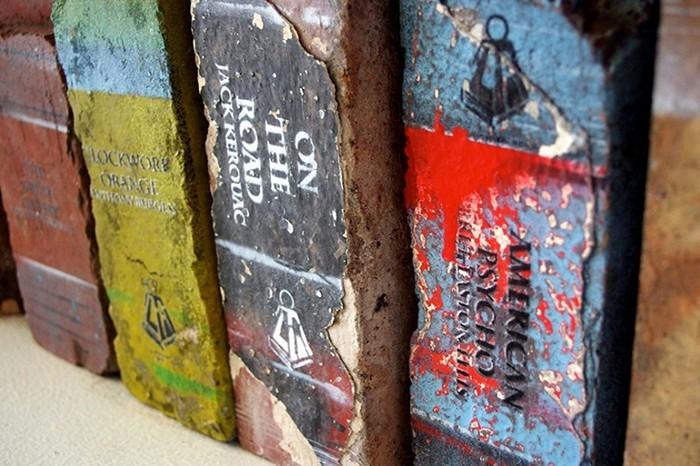 Книги-кирпичи для тяжелоатлетов
