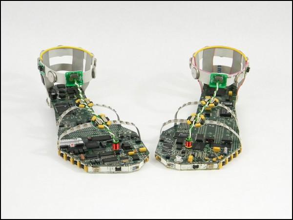 Data Sandals, скульптурный арт-проект Стивена Родрига (Steven Rodrig)