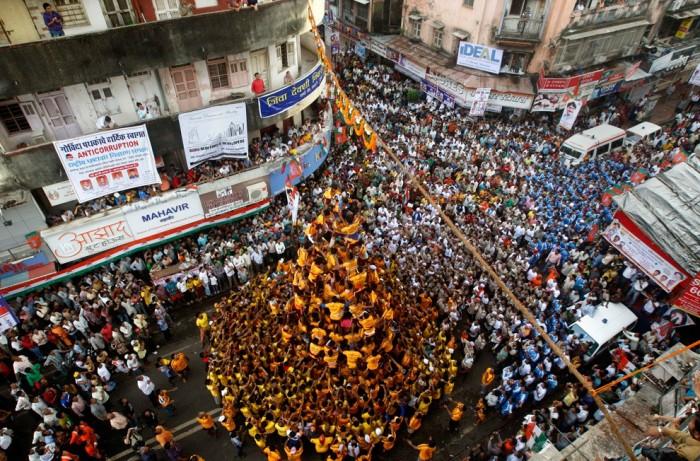 Тысячи людей отмечают праздник Janmashthami и за пределами Индии