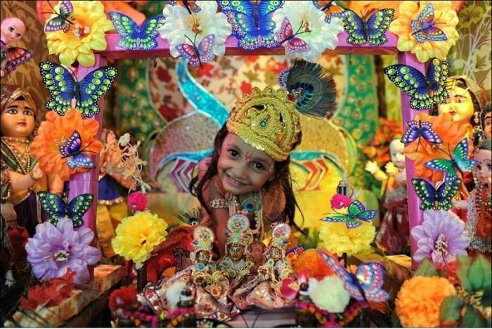 Krishna Janmashthami также известен как Дахи Ханди