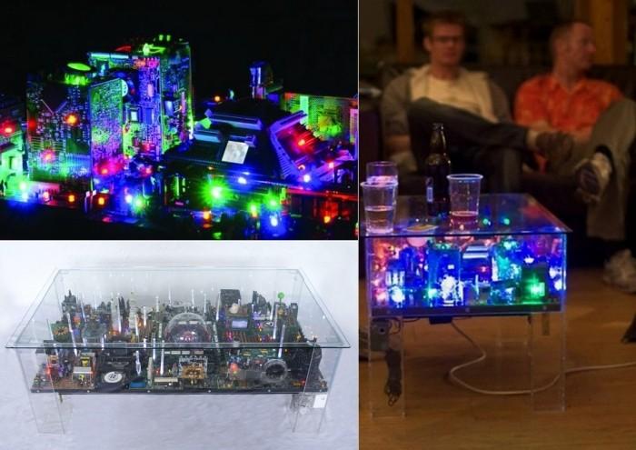 Инсталляция Electri-City: настольный мини-город из старой электроники и компьютерных деталей