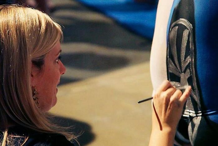 Групповой арт-проект Эммы Хак (Emma Hack) как социальная реклама для автомобилистов