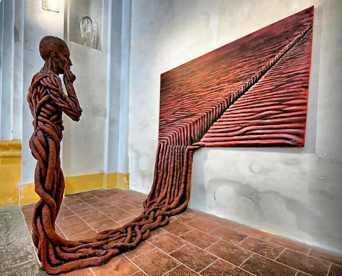 Философская скульптура *Побег в реальность* (Escape into reality)