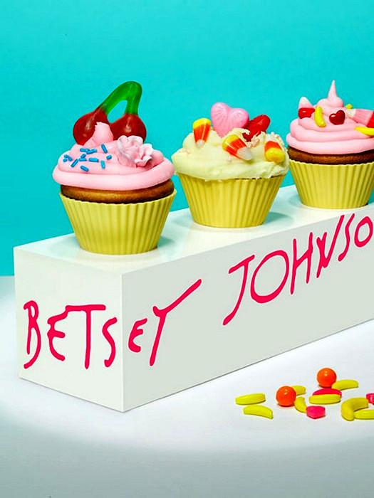 Дизайнерский кекс в стиле Betsey Johnson от  Лайзы Эдсальв (Lisa Edsalv)