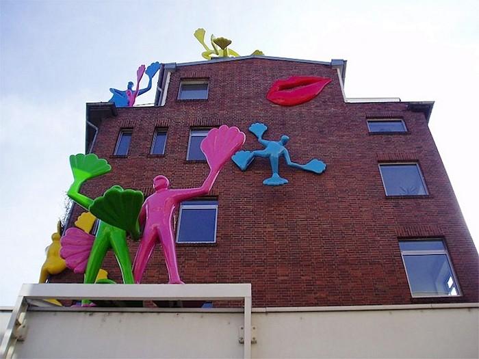 Разноцветные человечки на зданиях Дюссельдорфа. Арт-проект Flossis от Rosalie
