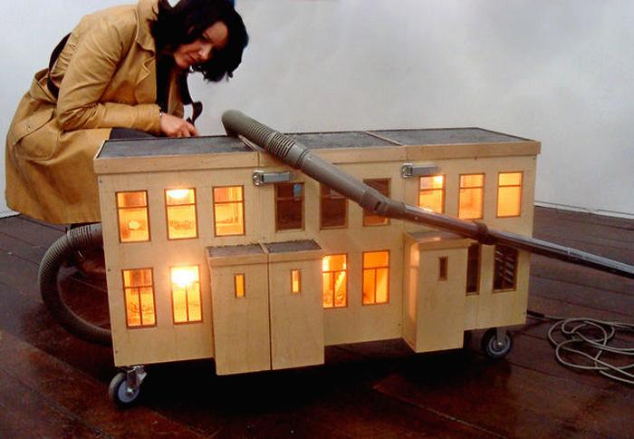 Дома-пылесосы. Философский арт-проект Full House