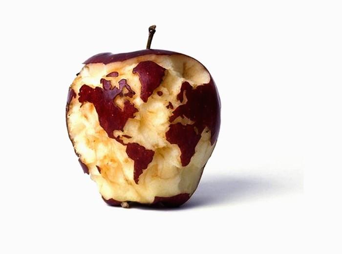 Целый мир на поверхности яблока