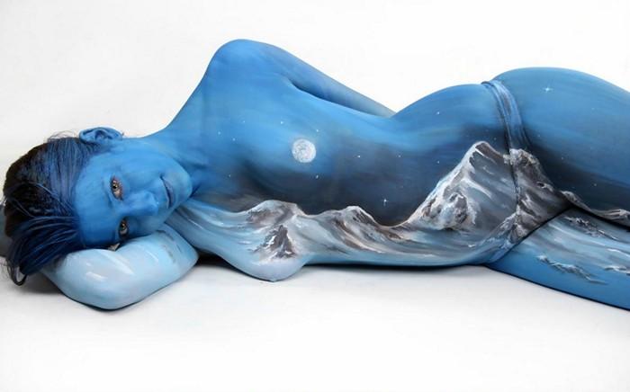 Ночной пейзаж на теле человека. Бодипейнтинг Гезине Марведель