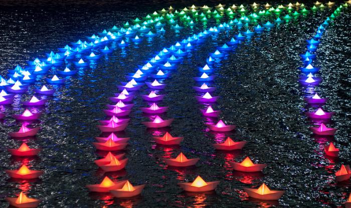 Voyage: флотилия разноцветных корабликов от Aether & Hemera