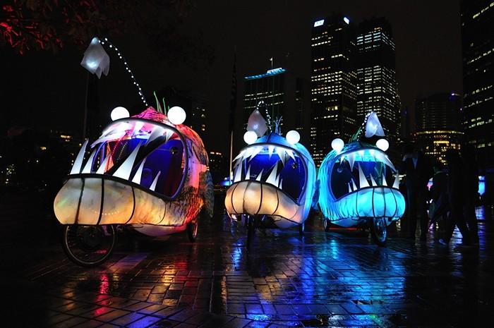Арт-проект Anglerfish on Wheels на фестивале света в Сиднее