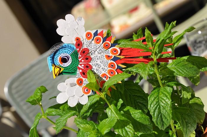 Бумажная инсталляция на тему флоры и фауны от Diana Beltran Herrera