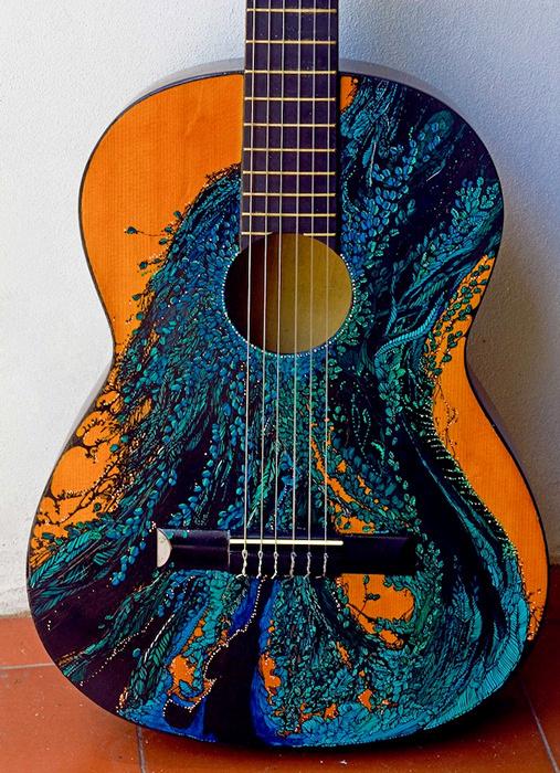 Расписные гитары в арт-проекте Pez DeTierra