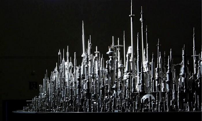 Огромная металлическая скульптура-город от Чу Эноки (Chu Enoki)