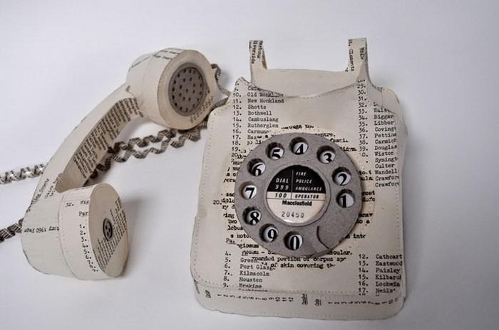 Телефон из старого телефонного справочника