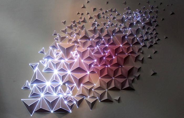 Инсталляция-оригами с огоньками от  Joanie Lemercier