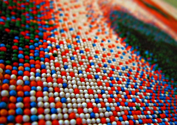 Портрет бигля из 221 тысячи сахарных шариков. Современный пуантилизм