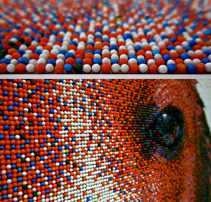 Картина Джоэля Брошу (Joel Brochu) в технике пуантилизма. Портрет бигля из сахарных шариков-пикселей