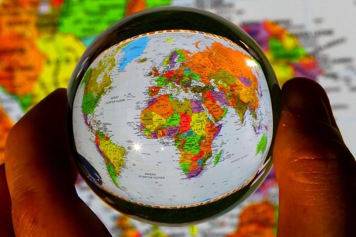 В планах Киса Стравера - показать хрустальному шарику весь мир