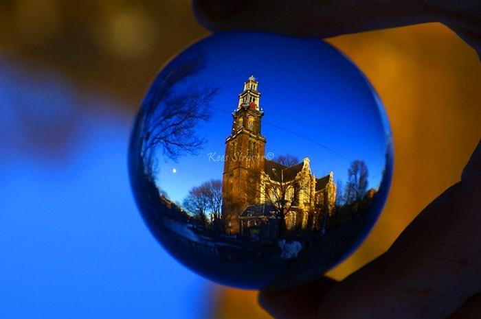 Знаменитая протестанская церковь Вестеркерк в Амстердаме. Еще один пункт в странствиях хрустального шарика