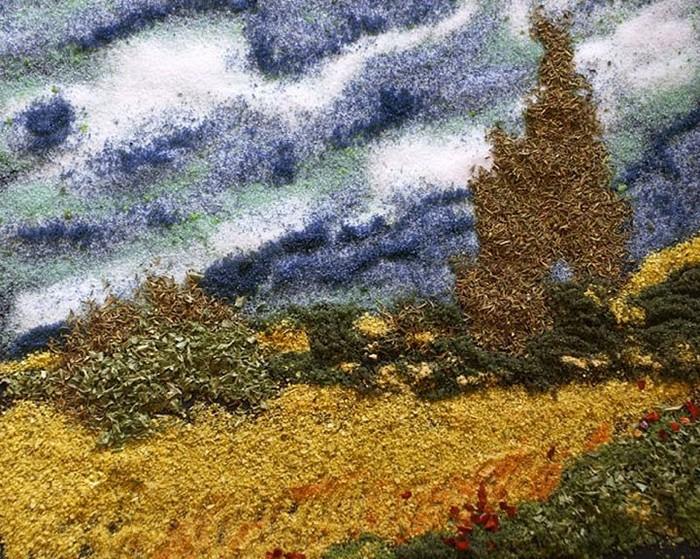 Римейк картины *Пшеничное поле и кипарисы*. Живопись специями от Келли МакКоллам (Kelly McCollam)