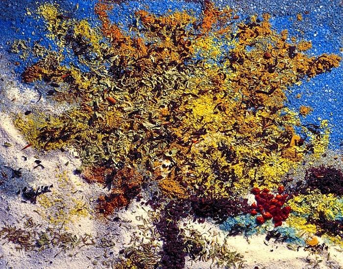 *Тутовое дерево*. Римейк известной картины Ван Гога, выполненный из приправ и специй