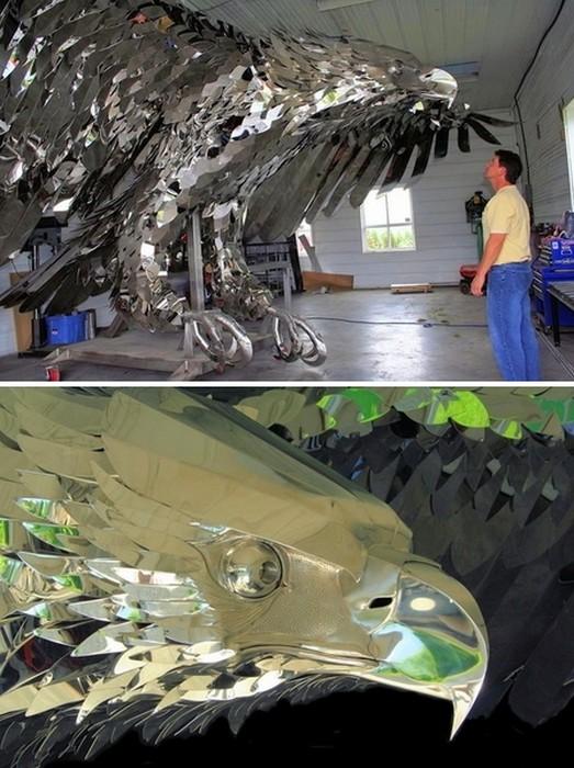 Белоголовый орлан Кевина Стоуна (Kevin Stone), сделанный из нержавеющей стали