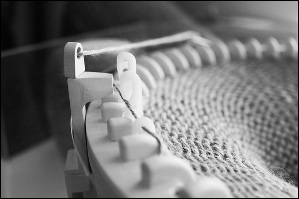 365 Knitting Clock, часы со спицами