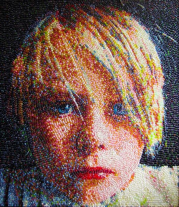 Портреты Кристен Камингс, выложенные из мармеладных конфет Jelly Belly