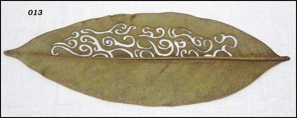 Листья превращаются... в кружевные узоры
