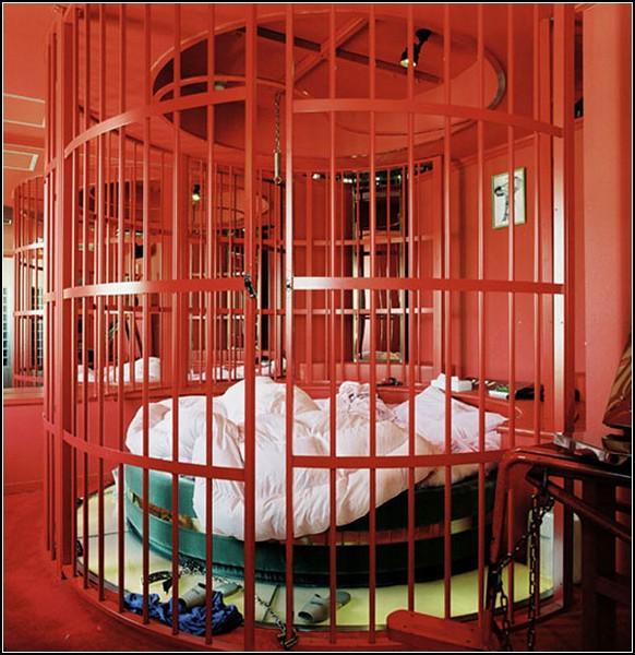 Фотопроект Love Hotels. *Игровые* номера в японских отелях для сексуальных утех