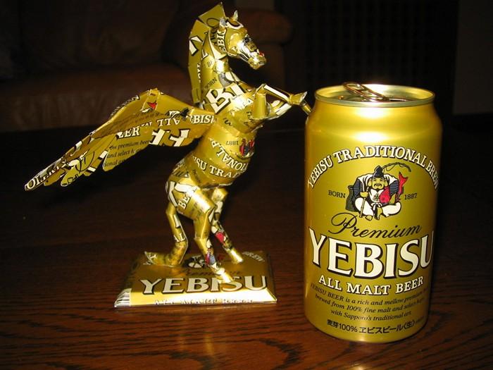 Скульптуры от любителя пива в банках. Творчество скульптора Macaon