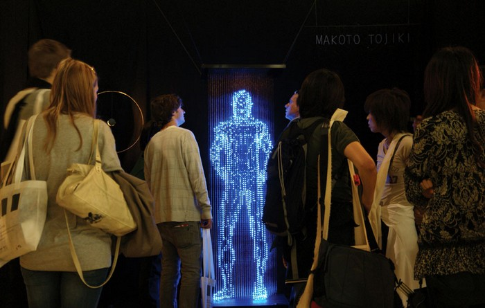 No Shadow, светящаяся скульптурная инсталляция в галерее SaloneSatellite