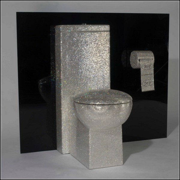 Сверкающий туалет в исполнении Мауро Перуккетти (Mauro Perucchetti)