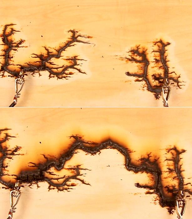Рисунки рукотворных молний. Арт-проект 15.000 Volts